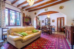 ESPORLES, casa de más de 100 años